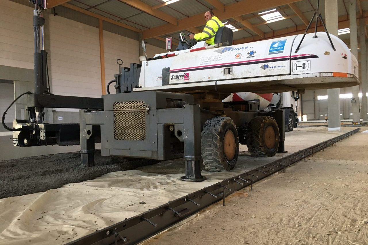 Promadis Matériel Laser screed Mendes dallages industriels somero